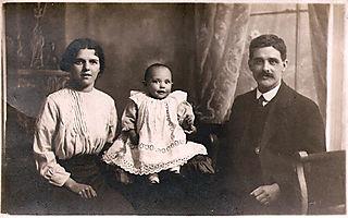 Amy, Elsie, Arthur 1914