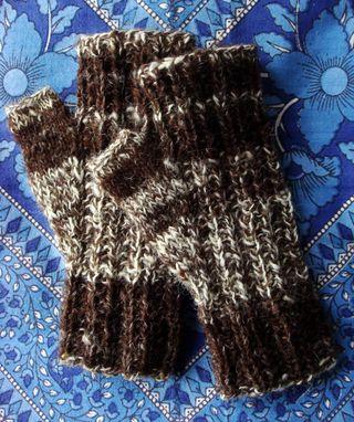 Handspun_fingerless_mittens